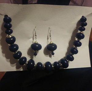 Earrings/Necklace set